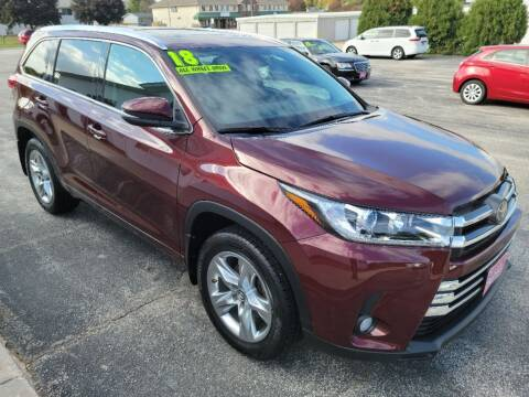 2018 Toyota Highlander for sale at Cooley Auto Sales in North Liberty IA