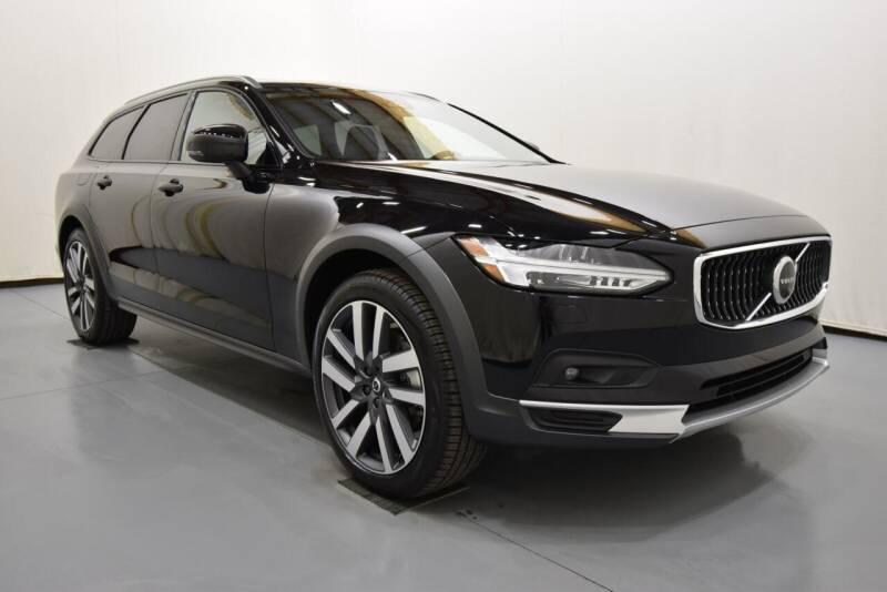 2022 Volvo V90 Cross Country for sale in Evansville, IN