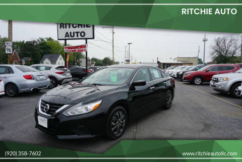 2018 Nissan Altima for sale at Ritchie Auto in Appleton WI
