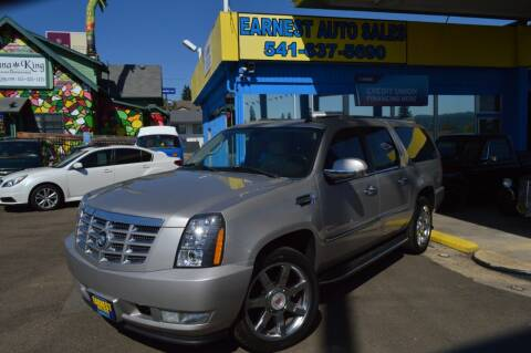 2007 Cadillac Escalade ESV for sale at Earnest Auto Sales in Roseburg OR