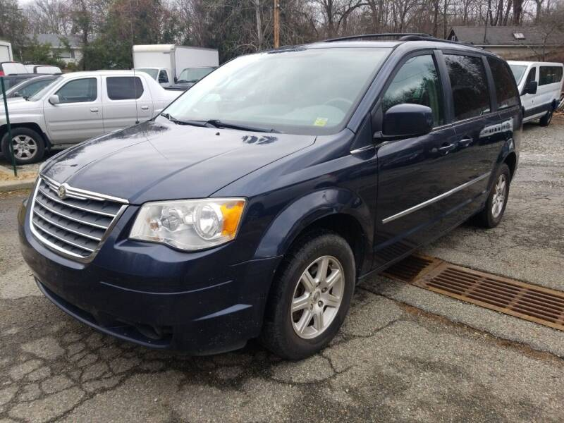 2009 Chrysler Town and Country for sale at AMA Auto Sales LLC in Ringwood NJ