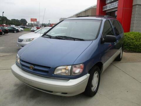 1999 Toyota Sienna for sale at Premium Auto Collection in Chesapeake VA
