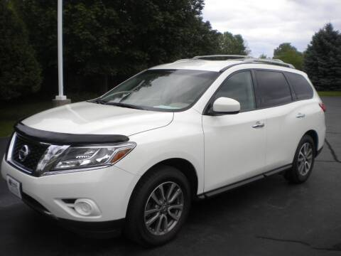 2013 Nissan Pathfinder for sale at AUTO MART in Oshkosh WI