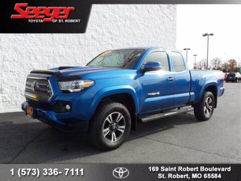 2017 Toyota Tacoma for sale at SEEGER TOYOTA OF ST ROBERT in St Robert MO
