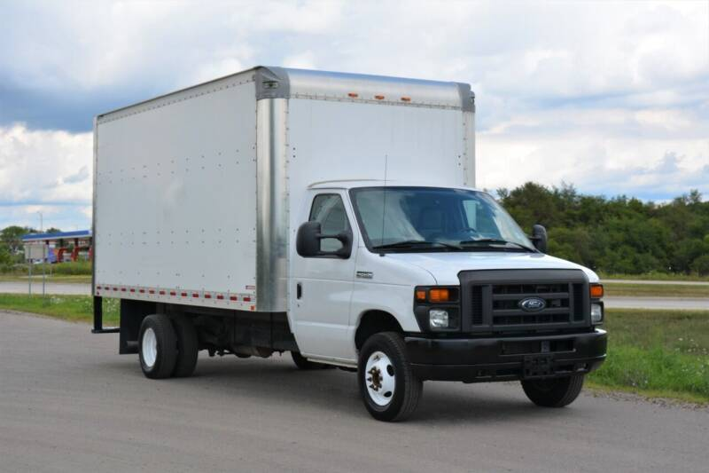 2017 Ford E-450 for sale at Signature Truck Center - Box Trucks in Crystal Lake IL