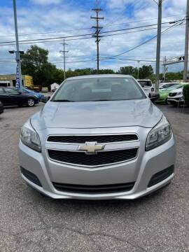 2013 Chevrolet Malibu for sale at R&R Car Company in Mount Clemens MI