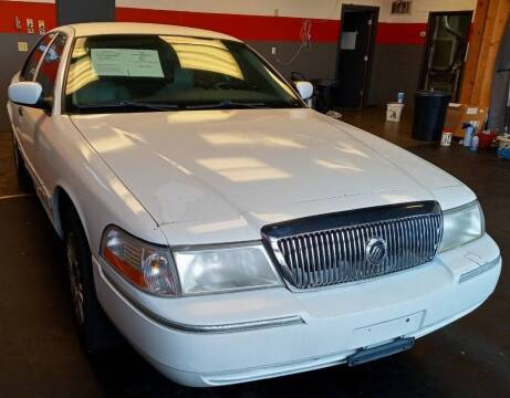 2004 Mercury Grand Marquis for sale at D & J AUTO EXCHANGE in Columbus IN