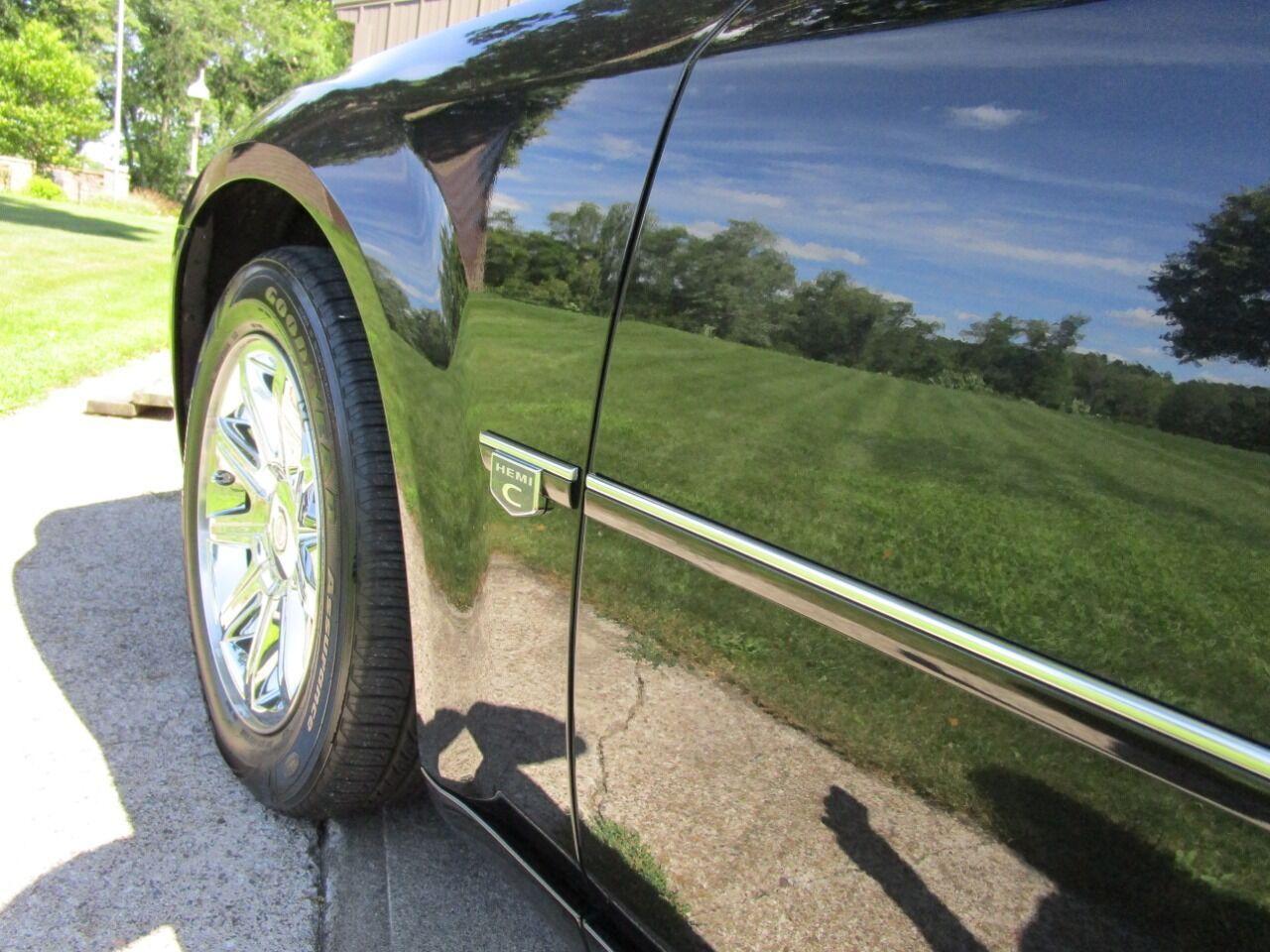 2006 Chrysler 300 23