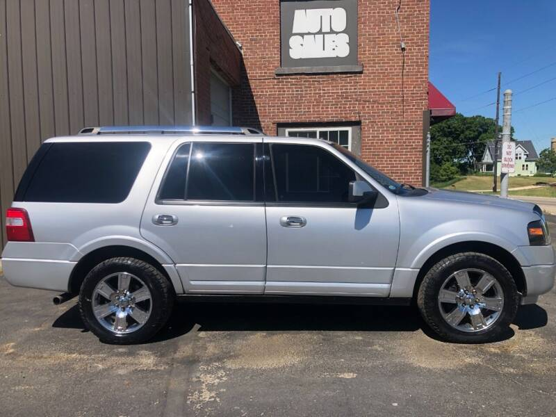 2010 Ford Expedition for sale at LeDioyt Auto in Berlin WI