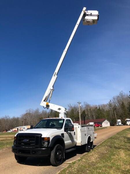 2008 Ford F-450 BUCKET TRUCK for sale at Monroe Auto's, LLC in Parsons TN