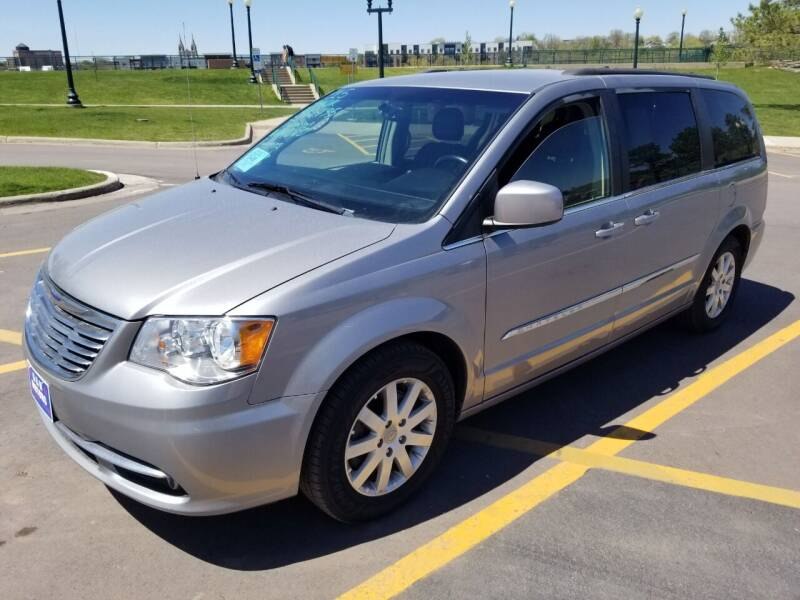 2015 Chrysler Town and Country for sale at G & H Motors LLC in Sioux Falls SD