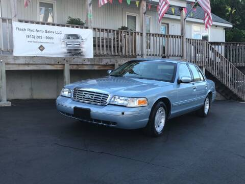 2002 Ford Crown Victoria for sale at Flash Ryd Auto Sales in Kansas City KS