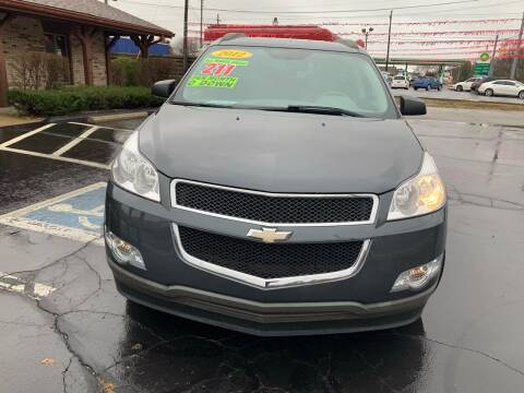2012 Chevrolet Traverse for sale at Clarks Auto Sales in Connersville IN