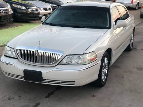 2007 Lincoln Town Car for sale at Hadi Motors in Houston TX