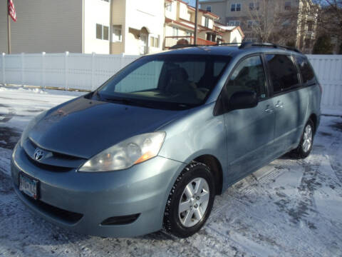 2007 Toyota Sienna for sale at Metro Motor Sales in Minneapolis MN