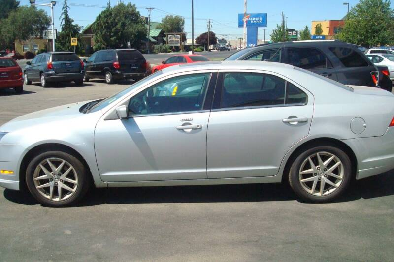 2010 Ford Fusion for sale at Tom's Car Store Inc in Sunnyside WA