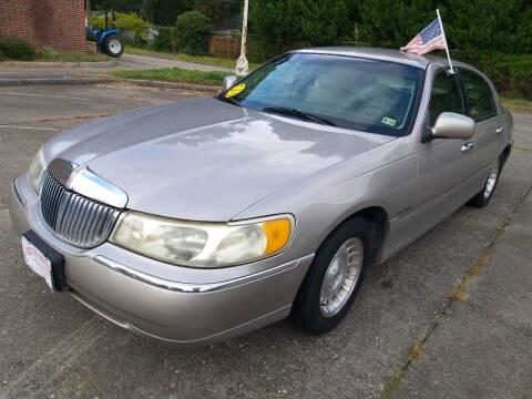 1999 Lincoln Town Car for sale at Hilton Motors Inc. in Newport News VA