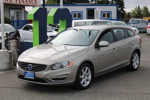 2015 Volvo V60 for sale at BAYSIDE AUTO SALES in Everett WA