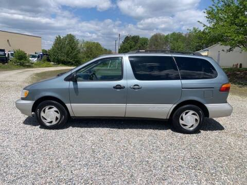 2000 Toyota Sienna for sale at MEEK MOTORS in North Chesterfield VA