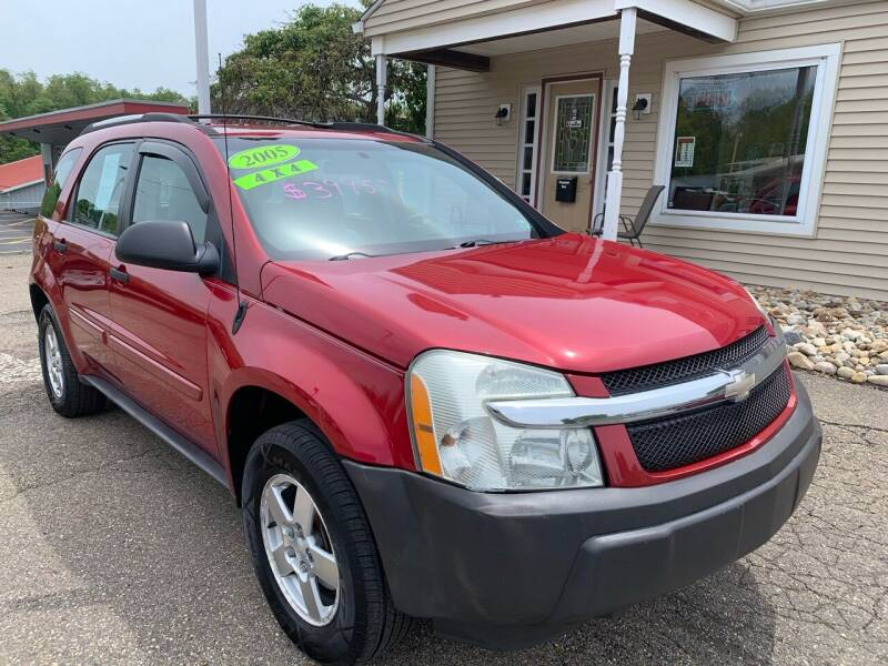 2005 Chevrolet Equinox for sale at G & G Auto Sales in Steubenville OH