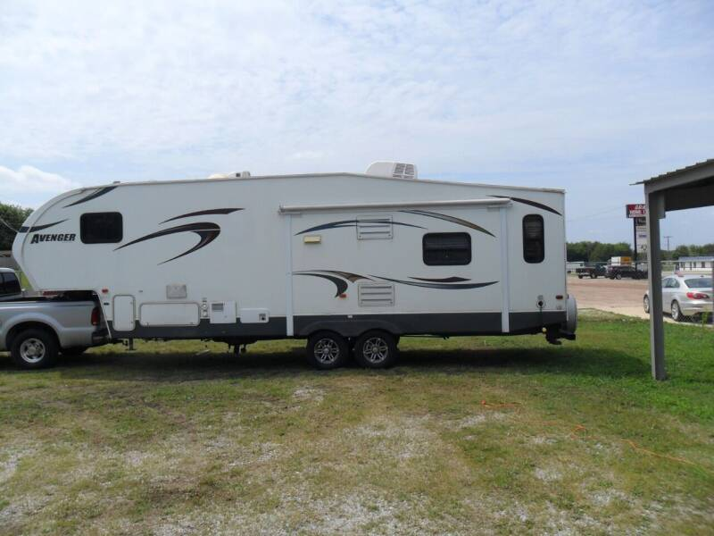 2014 Avenger 528SGS for sale at C MOORE CARS in Grove OK