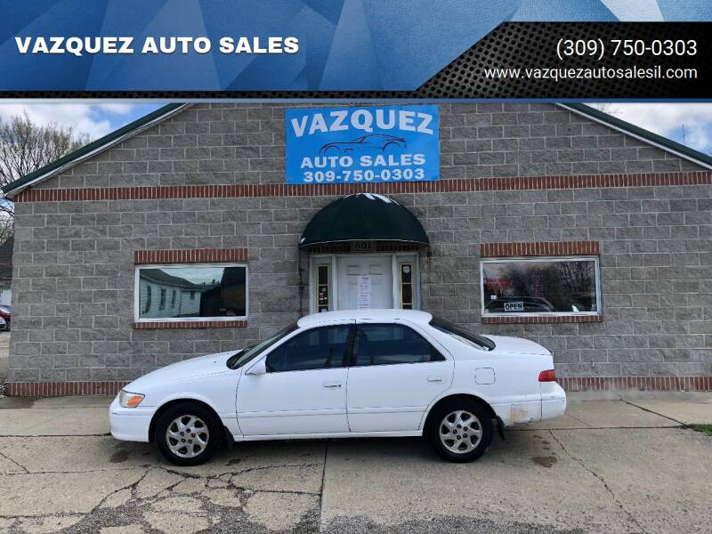 2000 Toyota Camry for sale at VAZQUEZ AUTO SALES in Bloomington IL