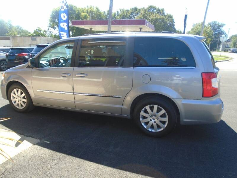 2015 Chrysler Town and Country for sale at Nelson Auto Sales in Toulon IL