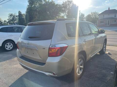 2007 Toyota Sienna for sale at Tiger Auto Sales in Columbus OH