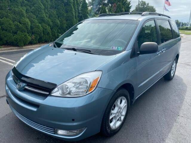 2004 Toyota Sienna for sale at Professionals Auto Sales in Philadelphia PA