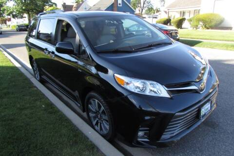 2018 Toyota Sienna for sale at First Choice Automobile in Uniondale NY