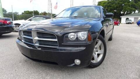 2010 Dodge Charger for sale at Das Autohaus Quality Used Cars in Clearwater FL