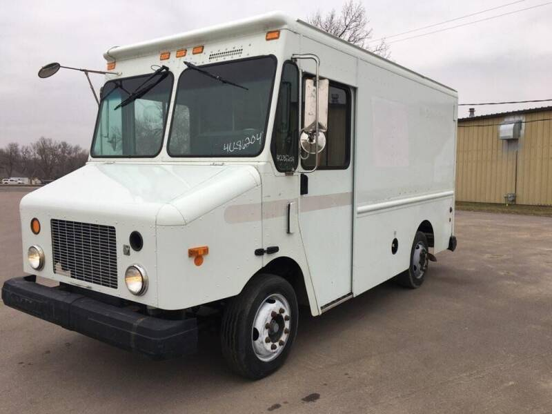 2004 Freightliner MT45 Morgan Olson P500 for sale at Tucson Motors in Sioux Falls SD