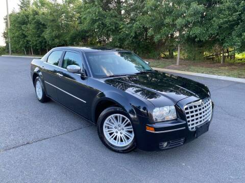 2010 Chrysler 300 for sale at Super Bee Auto in Chantilly VA