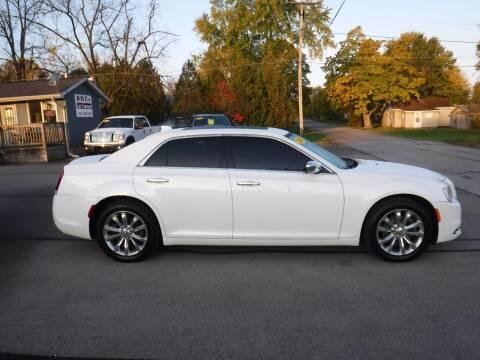 2015 Chrysler 300 for sale at Dave's Car Corner in Hartford City IN