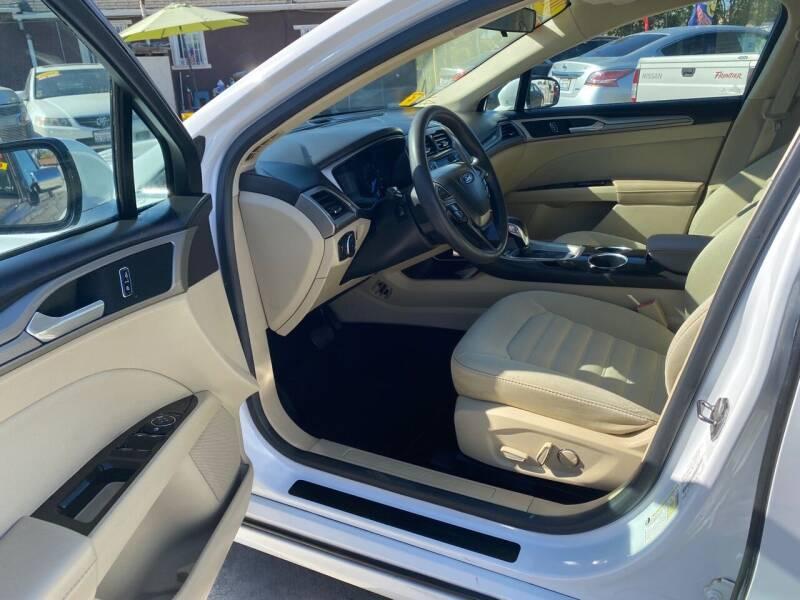 2013 Ford Fusion SE 4dr Sedan - Livingston CA