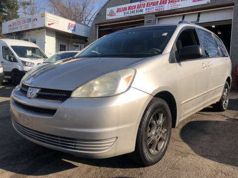 2004 Toyota Sienna for sale at Deleon Mich Auto Sales in Yonkers NY