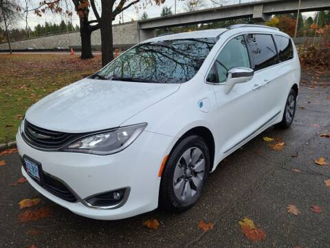 2018 Chrysler Pacifica Hybrid for sale at EXECUTIVE AUTOSPORT in Portland OR