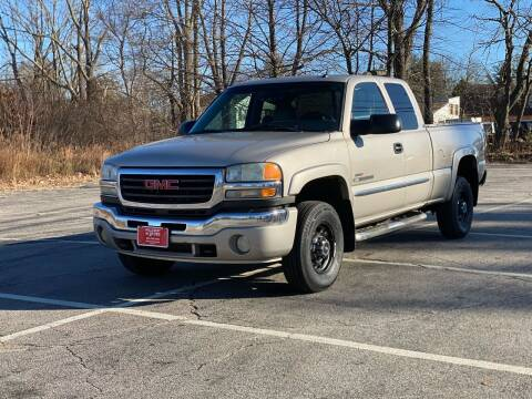 2004 GMC Sierra 2500HD for sale at Hillcrest Motors in Derry NH