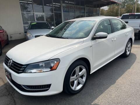2014 Volkswagen Passat for sale at TOP YIN MOTORS in Mount Prospect IL