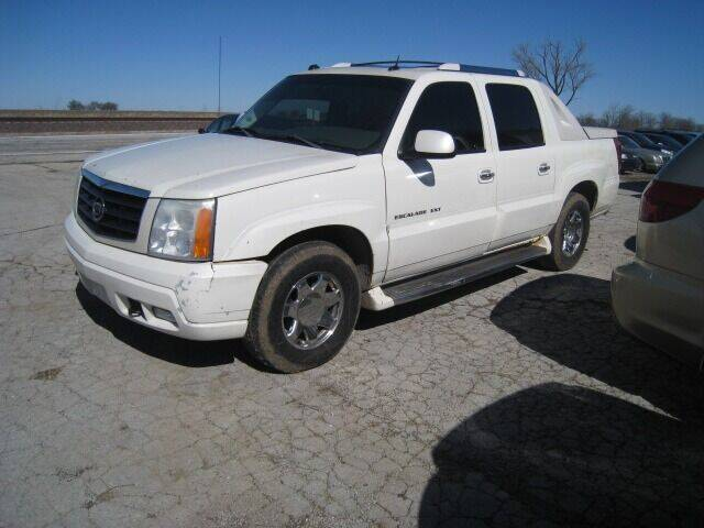 2004 Cadillac Escalade EXT for sale at BEST CAR MARKET INC in Mc Lean IL
