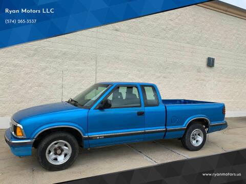1995 Chevrolet S-10 for sale at Ryan Motors LLC in Warsaw IN
