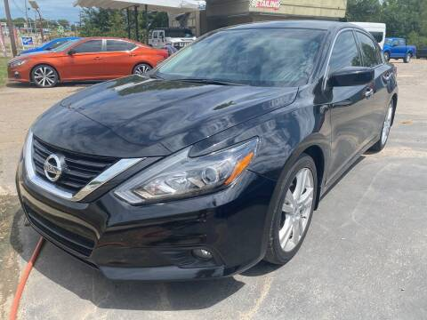 2017 Nissan Altima for sale at BEST AUTO SALES in Russellville AR