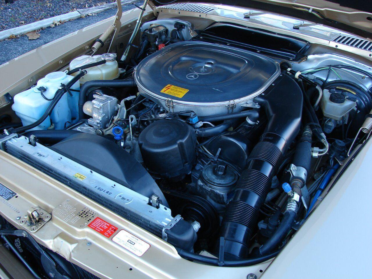 1986 Mercedes-Benz 560-Class 6