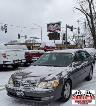 2004 Toyota Avalon for sale at Corridor Motors in Cedar Rapids IA