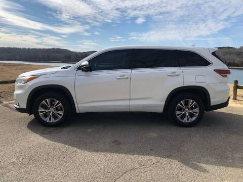 2015 Toyota Highlander for sale at Monroe Auto's, LLC in Parsons TN