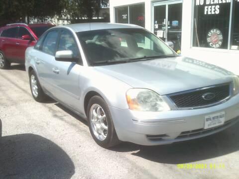 2005 Ford Five Hundred for sale at ROYAL MOTOR SALES LLC in Dover FL