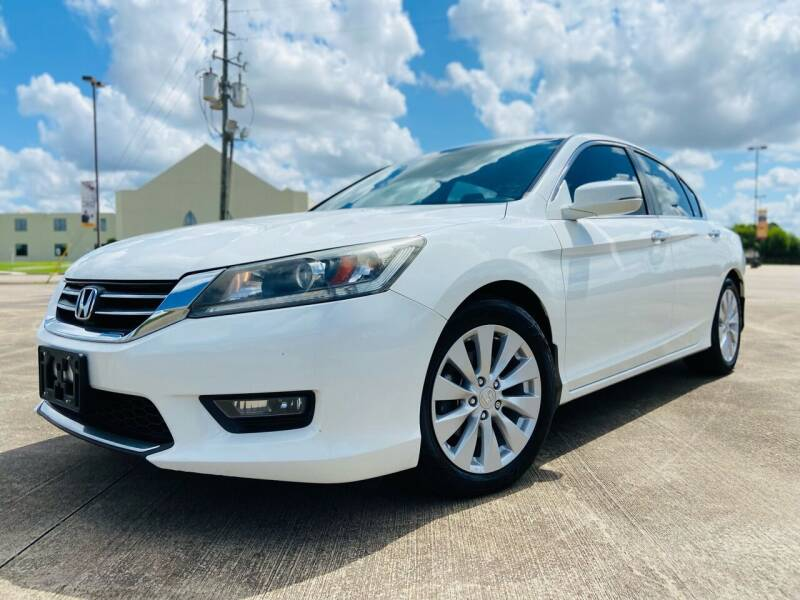 2014 Honda Accord for sale at AUTO DIRECT Bellaire in Houston TX