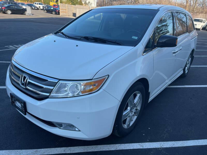 2011 Honda Odyssey for sale at Best Deal Motors in Saint Charles MO