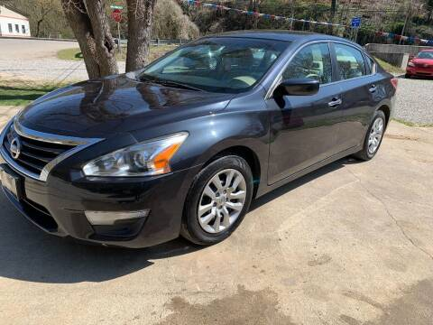 2013 Nissan Altima for sale at Day Family Auto Sales in Wooton KY