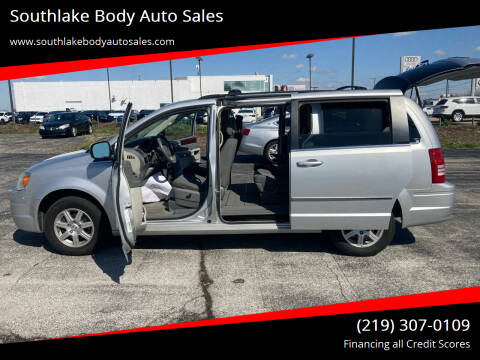 2010 Chrysler Town and Country for sale at Southlake Body Auto Sales in Merrillville IN
